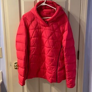 Lululemon sz 12 bright berry down hooded pullover